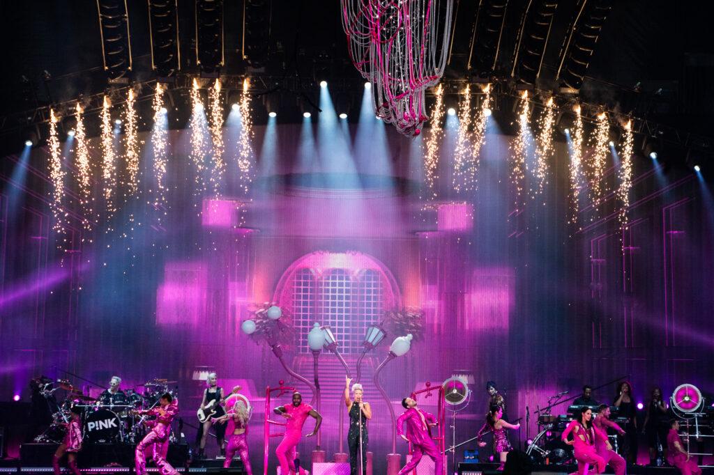 Pink auf der Bühne im Zürcher Letzigrund