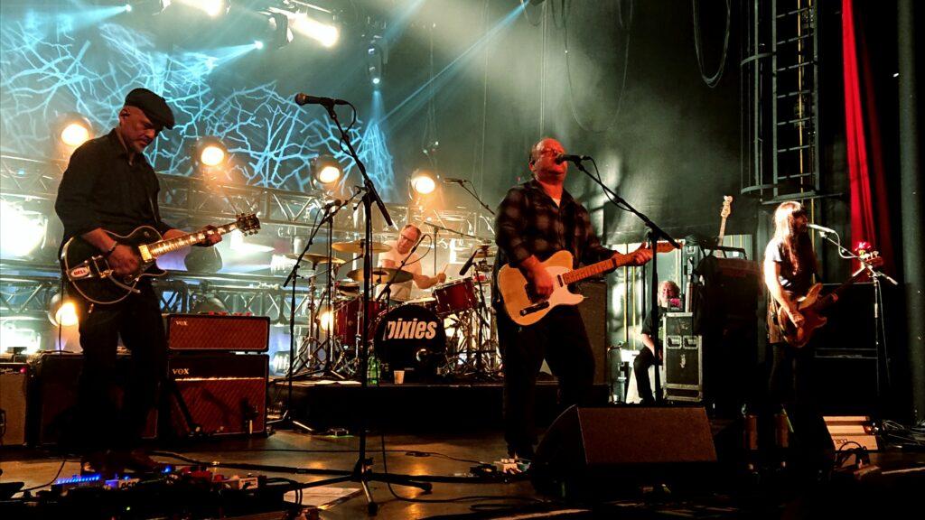 Die Pixies im X-Tra