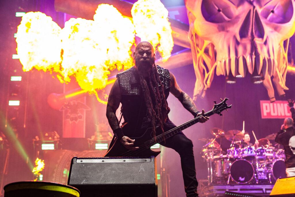 Five Finger Death Punch im Hallenstadion.